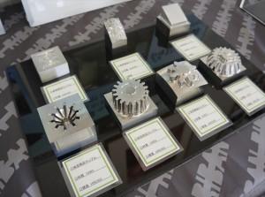 切削加工した高硬度材金型部品やレンズ金型