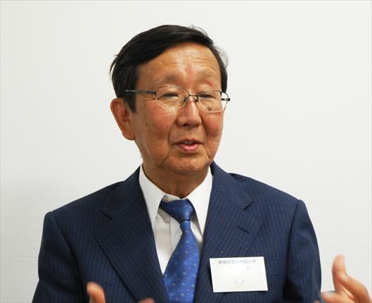 横田悦二郎氏