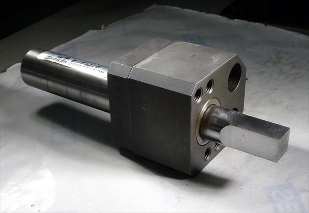 オイレス工業 プレス型用カッター発売<br>トリムとスクラップカットを1工程に集約